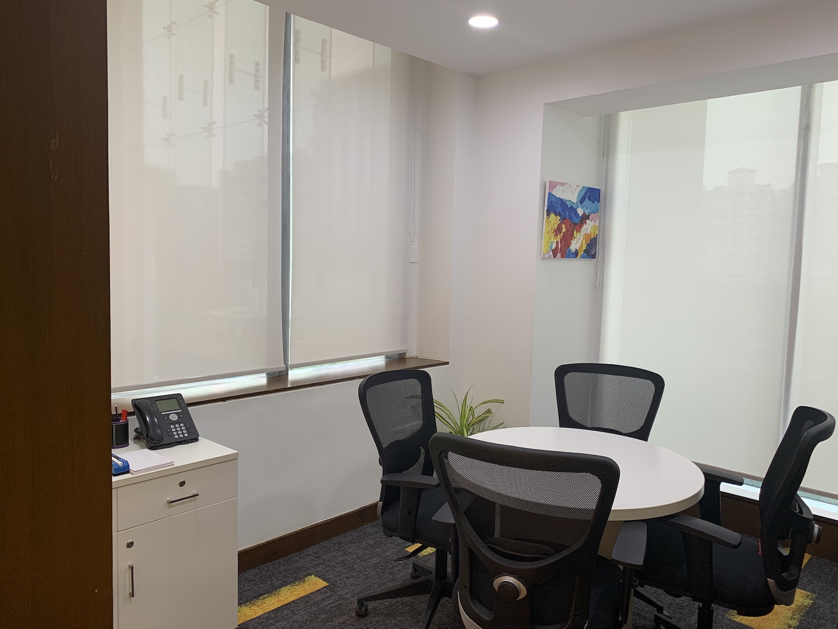 Meeting room in Deskriver Business Centre at Golf Course Road Gurgaon